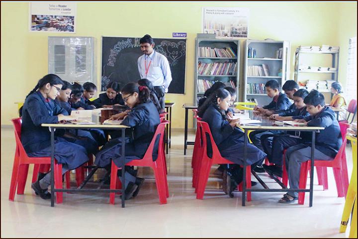 Dnyaneshwar Public School-Library