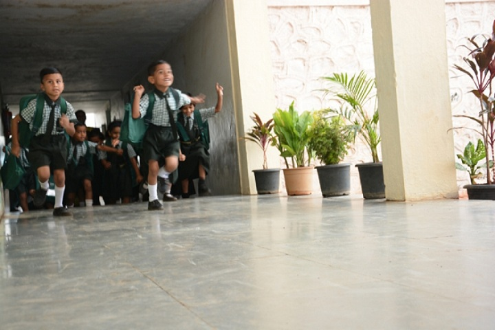 Dnyanvardhini English Medium School-Kids