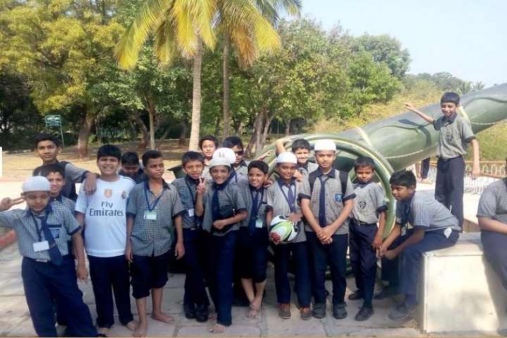 Everest Group of Schools-Picnic