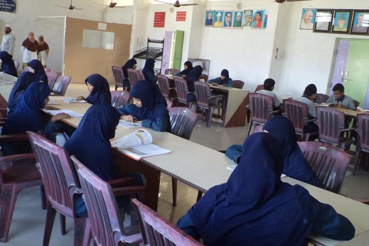 Everest Secondary School-Library