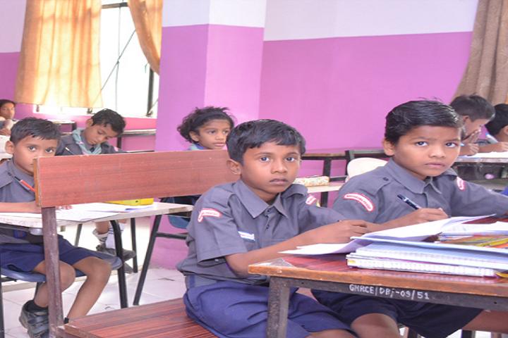 GH Raisoni Vidya Niketan-Classroom