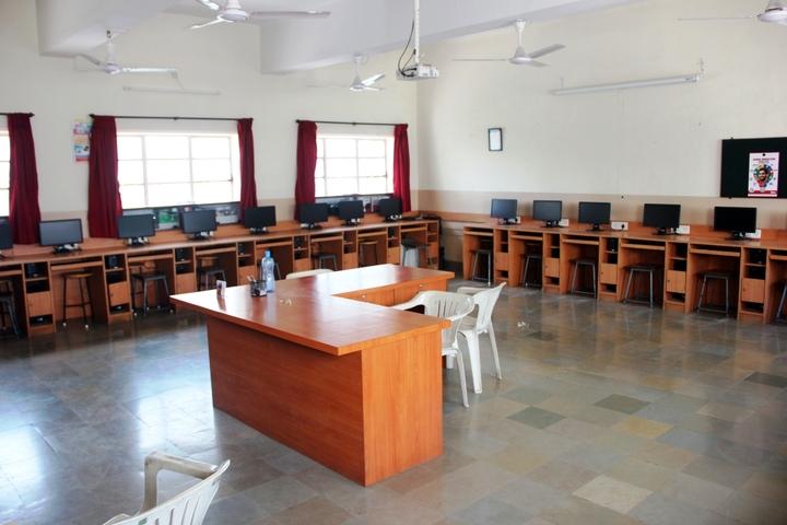 Loyola High School and Junior College-Computer Lab