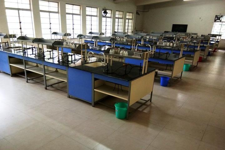 Loyola High School and Junior College-Physic Lab