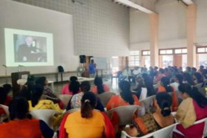 Loyola High School and Junior College-Seminar