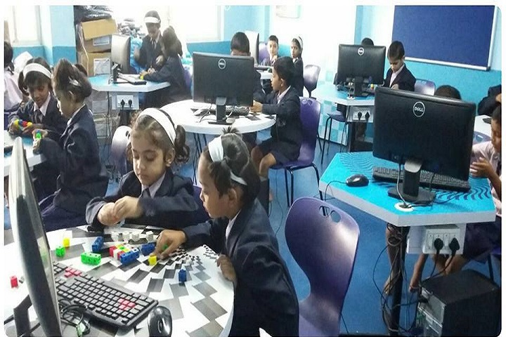 Gayatri English Medium School-Computer Lab