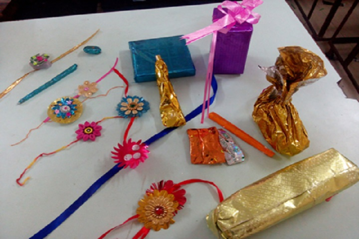 Gayatri English Medium School-Craft Work