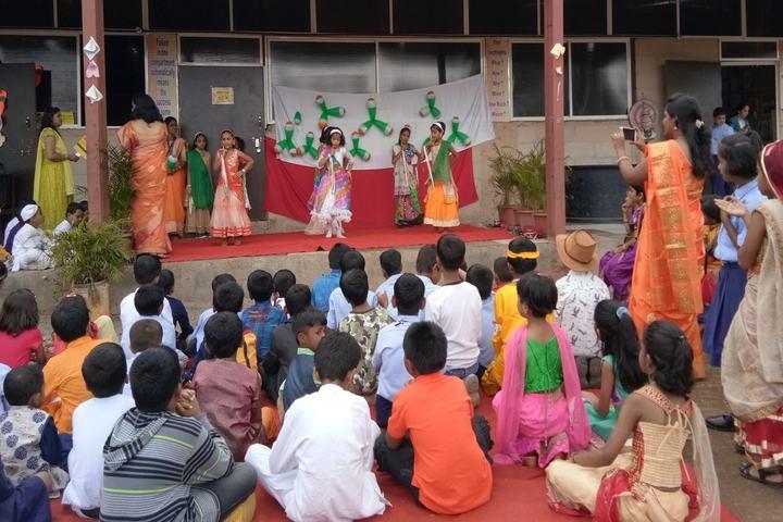 Hind English Medium School-Independence Day