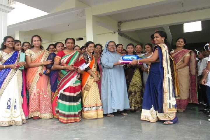 Holy Family Convent School-Teachers Day