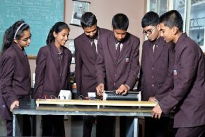 Sharad Pawar International School-Physics Lab