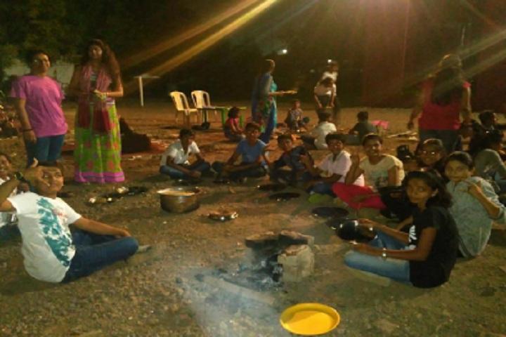 Innovera School-Night Camp