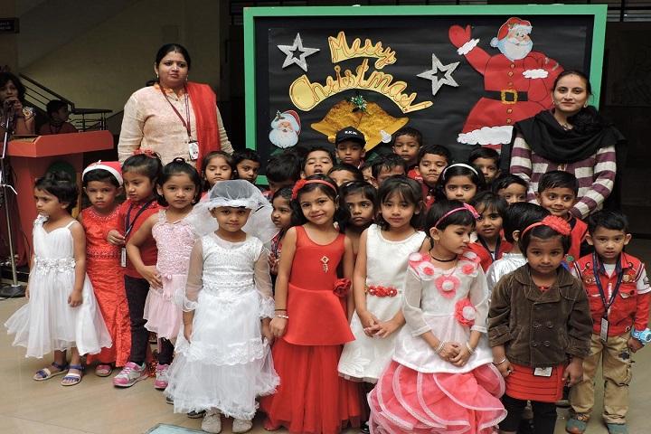 KK Wagh Universal School-Christmas