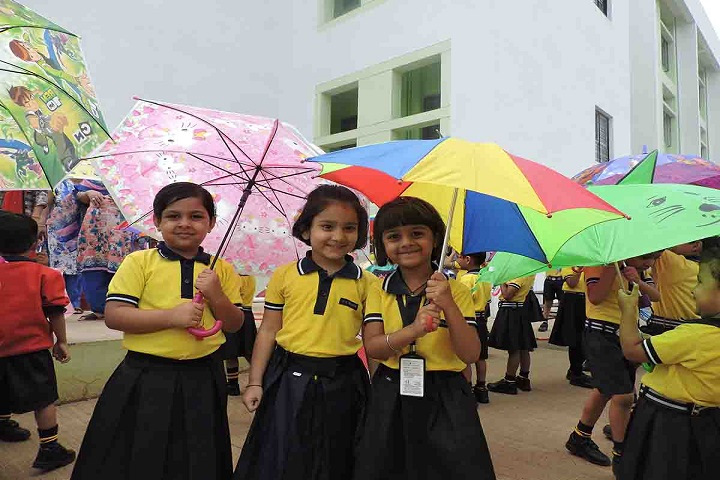 KK Wagh Universal School-Umbrella day
