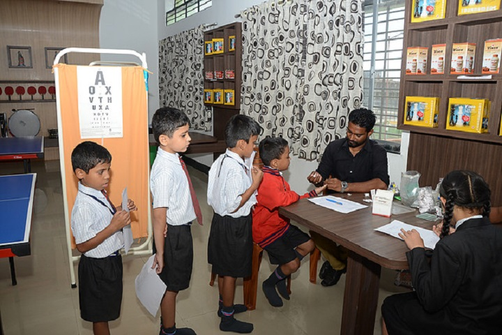 KK Wagh Universal School-Medical Check up