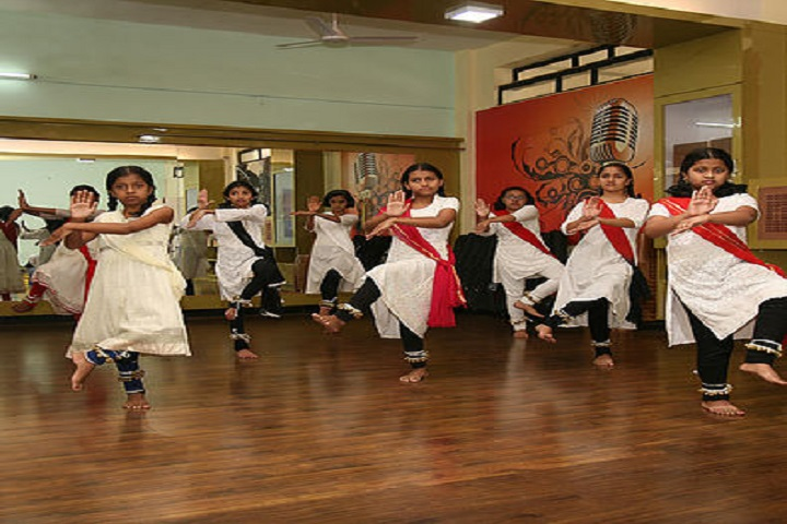 KK Wagh Universal School-Dance room