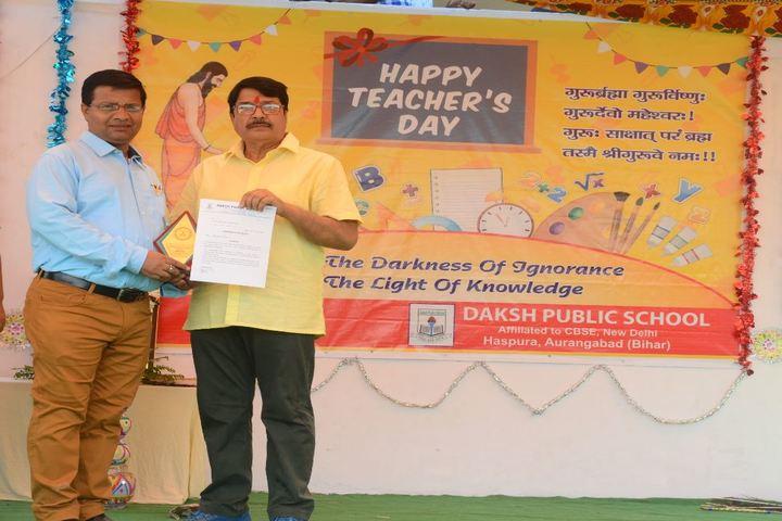 Daksh Public School-Felicitation
