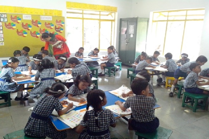 Lady Khatun Marium School-Class
