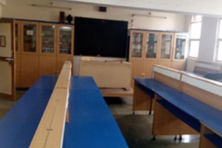 Manav Mandirs Smt Nandkumar Rasiklal P Seth Multipurpose High School-Physics Lab
