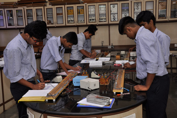 New Horizon Public School-Physics Lab