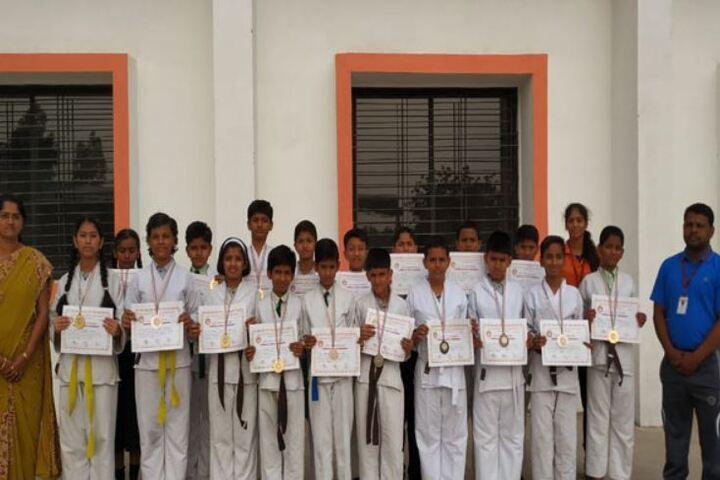 Padamshri Shankar Bapu Apegaonkar English School-Karate