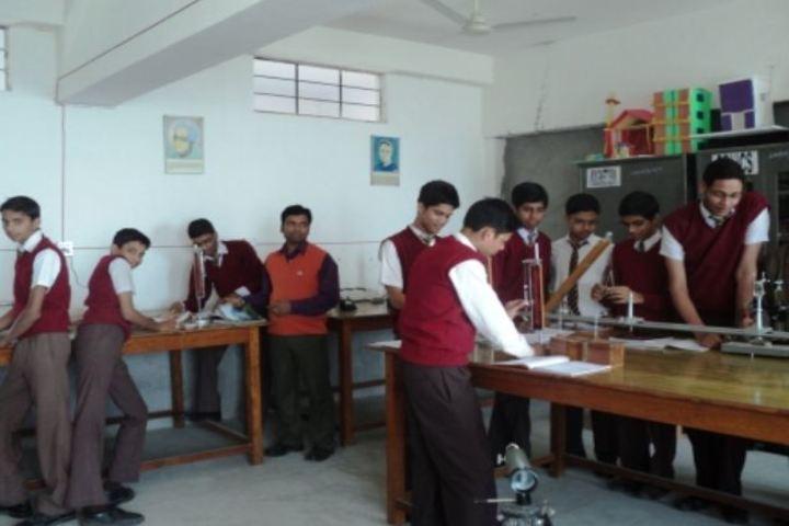 Dav Public School-Lab