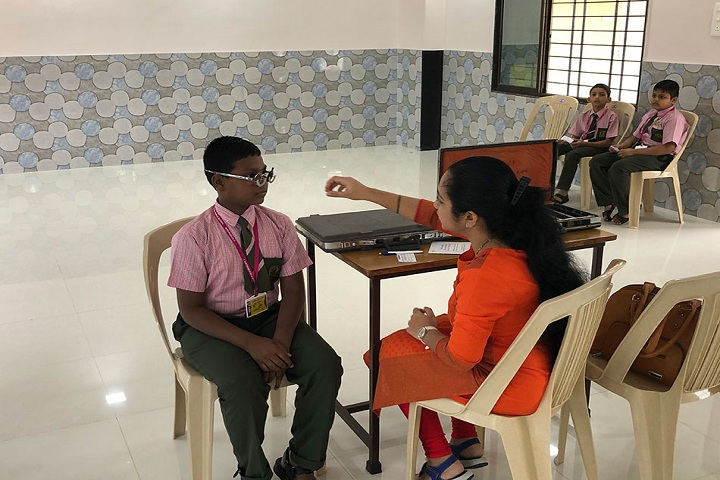 Santhome Public School-eye check up