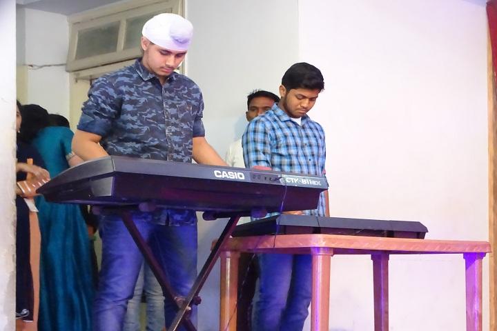 Sheth Karamshi Kanji English School-Music