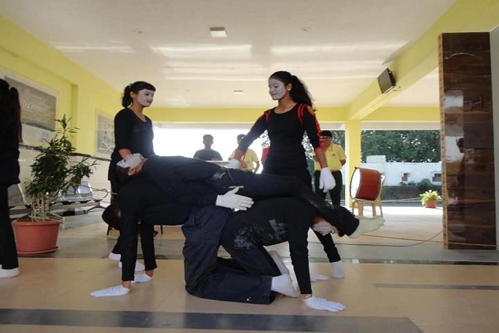 Shinde International School-Dance