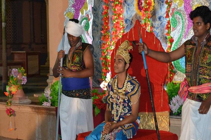 Shree Swaminarayan Gurukul International School-Skit
