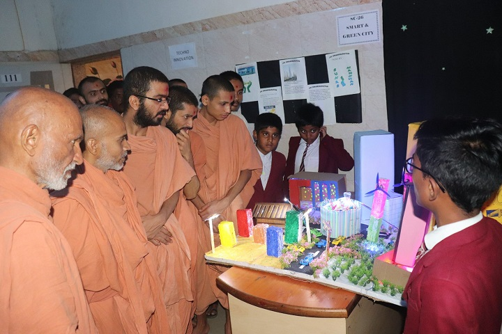 Shree Swaminarayan Gurukul International School-Science Exhibitions