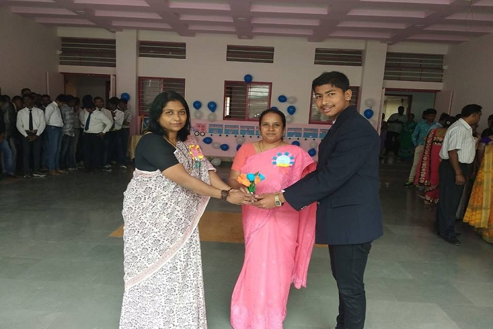 Shreemant Shivajiraje English Medium School-Teachers Day Celebrations