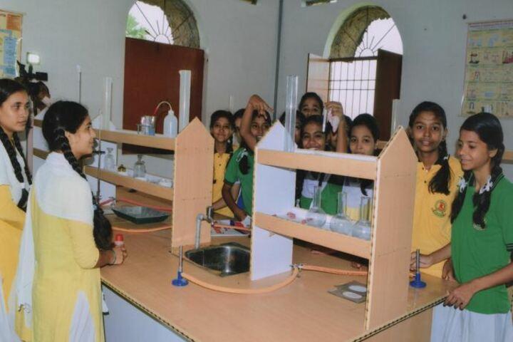 Dayal Public School-Lab