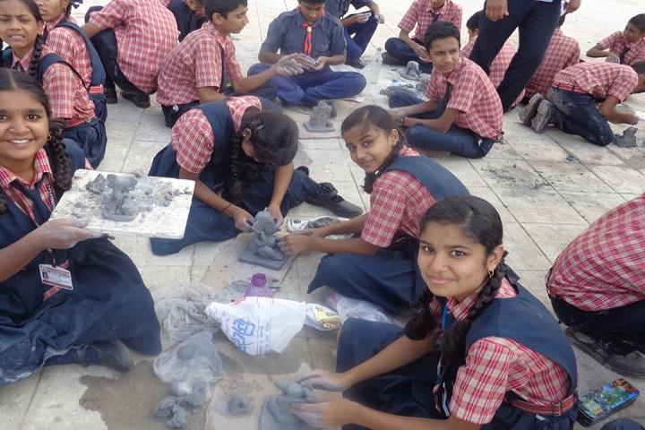 Vidya Prabodhini Prashala (Eng)-Clay Activity