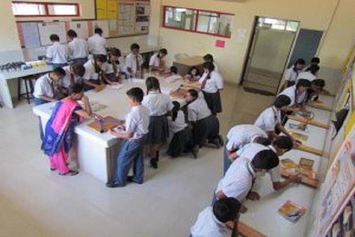 Vidyashilp Public School-Physics Lab