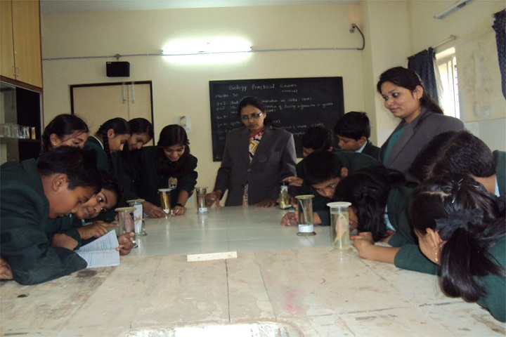 Yavatmal Public School-Science Lab