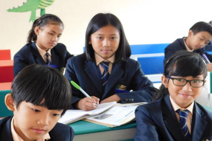 Dmi St Joseph Global School-Classroom