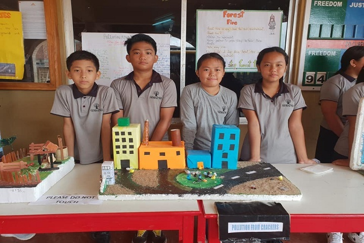 Maple Tree School-Science Exhibition