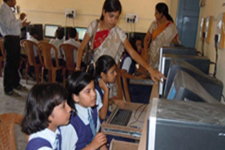 Cement Nagar English Medium School - Computer lab