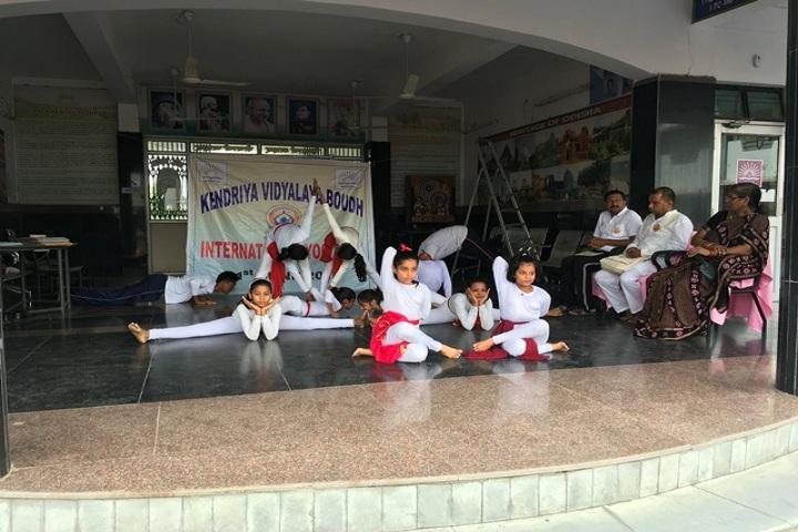 Kendriya Vidyalaya-Girls Yoga