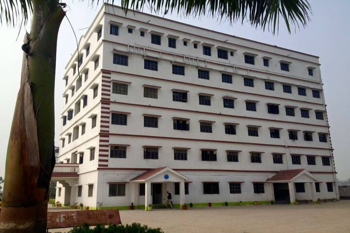 Foundation School-Campus Side View