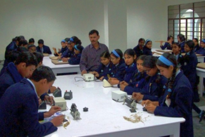 G D Mothers International School-Physics Lab