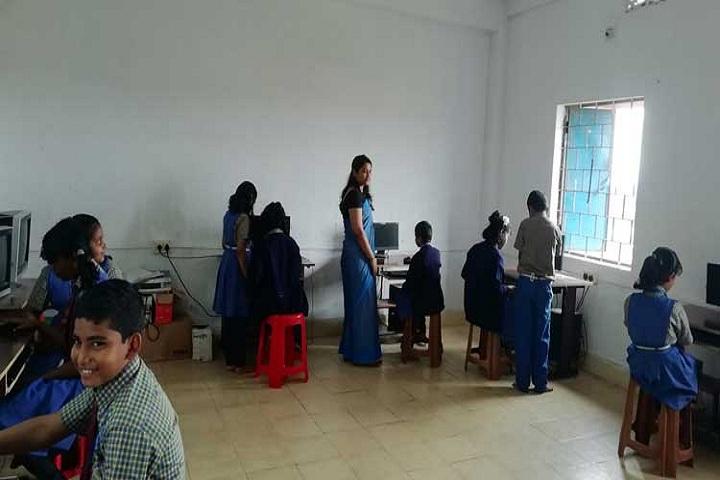 Royal Public School-Computer lab