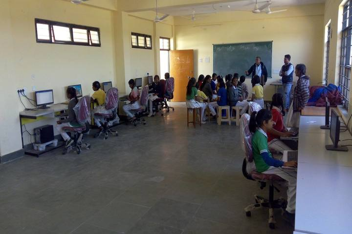 Swami Vivekanand Government Model School-Computer Lab