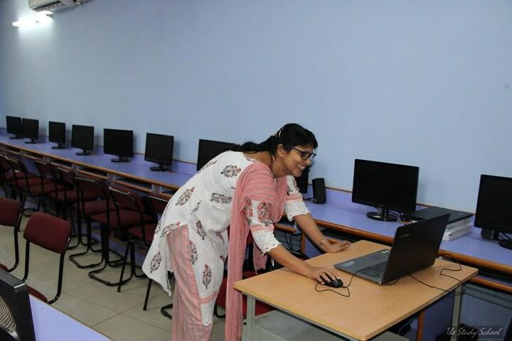 The Study School-Computer Lab