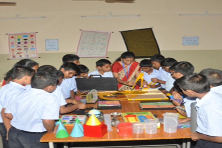Vaasavi International School-Maths Lab