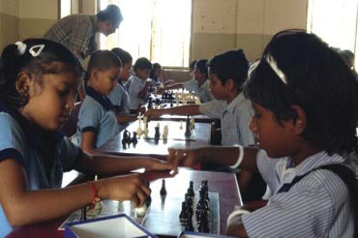 Vaasavi International School-Playing Chess