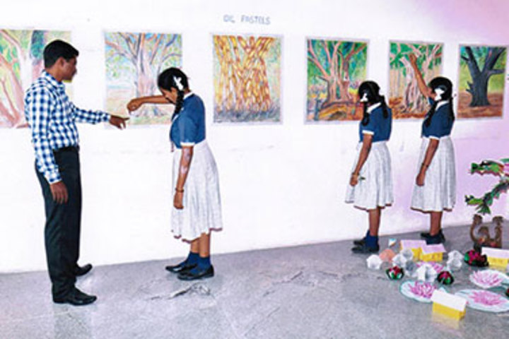 Vivekanandha School-Art And Craft