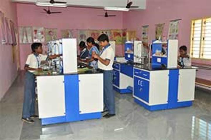 Vivekanandha School-Science Lab