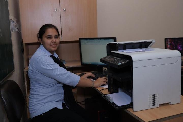 Aadesh International School-IT Lab