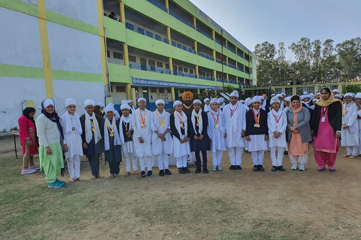Akal Academy-Students