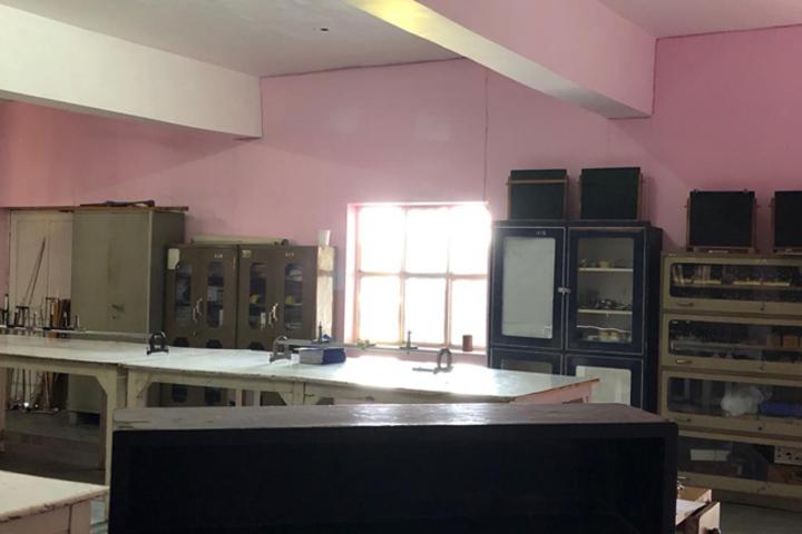 Alpine International School-Physics Lab
